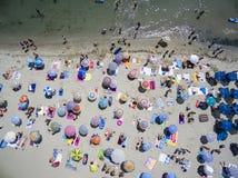 Flyg- sikt av stranden i Katerini, Grekland Royaltyfria Bilder