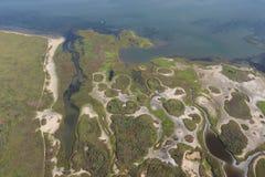 Flyg- sikt av Texas Gulf Coast, Galveston ö, Amerikas förenta stater arkivbilder