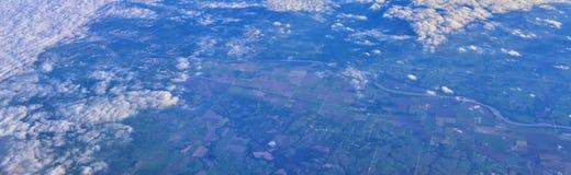Flyg- sikt av topografiska landskap över midwest stater på flyg över Colorado, Kansas, Missouri, Illinois, Indiana, Ohio royaltyfri fotografi