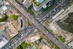 Flyg- sikt av trafikföreningspunkten och trans.vägen i stad, Royaltyfria Foton