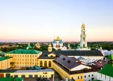 Flyg- sikt av Treenighet Lavra av St Sergius - en rysk kloster i Sergiyev Posad, Ryssland Arkivfoto