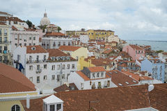 Flyg- sikt av typiska byggnader i Lissabon, Portugal Arkivfoton
