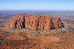 Flyg- sikt av Uluru (Ayers vaggar), Arkivfoto
