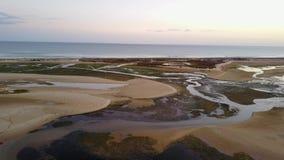 Flyg- sikt av unika Ria Formosa i Fuseta, Algarve, Portugal stock video