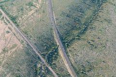Flyg- sikt av vägen i öken nära Phoenix, Airzona arkivfoton