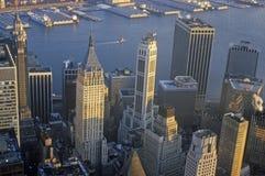 Flyg- sikt av Wall Street, finansiellt område, New York City, NY Arkivbilder