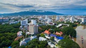 Flyg- sikt Chiang Mai City, sikt för hög vinkel som planerar Thailand royaltyfria bilder