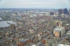 Flyg- sikt för bred vinkel över staden av Boston - BOSTON, MASSACHUSETTS - APRIL 3, 2017 Arkivfoton