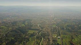 Flyg- sikt för hög höjd av Florence cityscape, Italien lager videofilmer