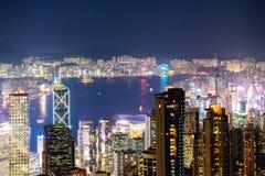 Flyg- sikt för Hong Kong natt arkivfoto