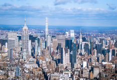 Flyg- sikt för horisont av Manhattan med skyskrapor - New York, USA Royaltyfri Foto