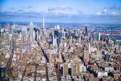 Flyg- sikt för horisont av Manhattan med skyskrapor - New York, USA Royaltyfri Fotografi