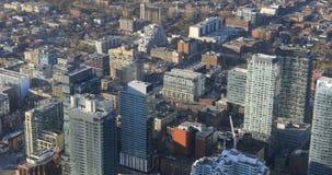 flyg- sikt för 4K UltraHD över Toronto, Kanada gator lager videofilmer