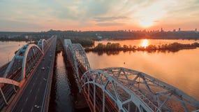 Flyg- sikt för Kiev bro Arkivbilder