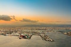 Flyg- sikt för Osaka fjärd från det Cosmo tornet Arkivbilder