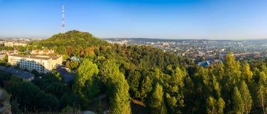 Flyg- sikt för panorama av den höga slotten, Lviv, Ukraina Royaltyfri Bild