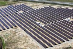 Flyg- sikt för Photovoltaic paneler royaltyfri foto