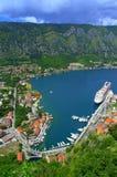 Flyg- sikt för pittoresk Kotor port, Montenegro Arkivfoto