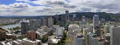 Flyg- sikt för Portland Oregon Cityscape fotografering för bildbyråer