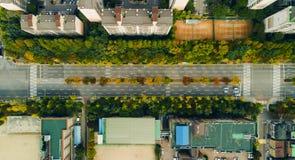 Flyg- sikt för stadsväg arkivbild