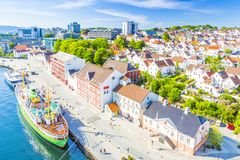 Flyg- sikt för Stavanger Norge port Arkivbilder