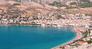 Flyg- sikt f?r Pag-? Sikten p? det kroatiska havet, Dalmatia, Kroatien royaltyfria bilder