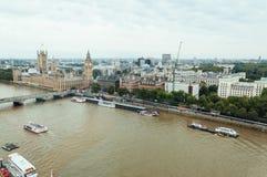 Flyg- sikt från det London ögat: Westminster bro, Big Ben och Ho Arkivfoto