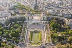 Flyg- sikt från Eiffeltorn på Champ de Mars - Paris. Arkivbild