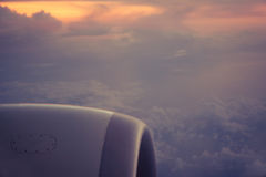 Flyg- sikt från flygplanet under flyg Arkivbild
