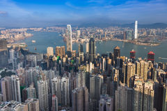 Flyg- sikt, Hong Kong stad i stadens centrum over Victoria Harbour Royaltyfri Bild