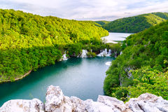 Flyg- sikt i den Plitvice nationalparken Arkivfoto