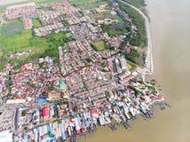 Flyg- sikt i fiskareby arkivbilder