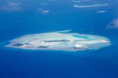 Flyg- sikt - korallatoller, Maldiverna Royaltyfria Foton