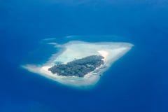 Flyg- sikt - korallatoller, Maldiverna arkivfoton