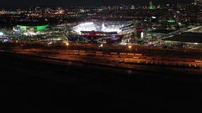 Flyg- sikt Lincoln Financial Field på natten lager videofilmer
