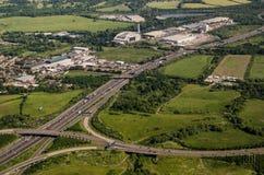 Flyg- sikt M25, västra London Arkivbild