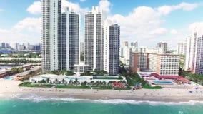 Flyg- sikt norr Miami Beach arkivfilmer