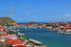 Flyg- sikt på den Gustavia hamnen i St Barts Royaltyfri Fotografi
