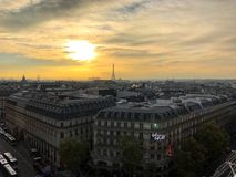 Flyg- sikt på det Galeries Lafayette Paris varuhuset royaltyfri fotografi