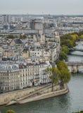 Flyg- sikt på floden Seine med broar royaltyfri fotografi