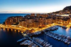 Flyg- sikt på Fontvieille och den Monaco hamnen Arkivbild