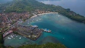 Flyg- sikt på hamn royaltyfria bilder