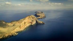 Flyg- sikt på hisnande klippor royaltyfria foton