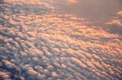 Flyg- sikt på molnen från nivån Royaltyfria Bilder