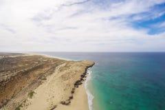 Flyg- sikt på sanddyn i den Verandinha stranden i Boavista udde V Royaltyfri Fotografi