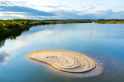 Flyg- sikt på sjön arkivfoton