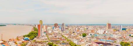 Flyg- sikt på staden av Guayaquil, Ecuador Arkivfoto