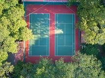 Flyg- sikt på tennisbanor Royaltyfri Bild