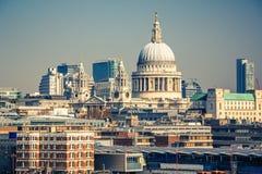 Flyg- sikt på den London staden Royaltyfri Foto