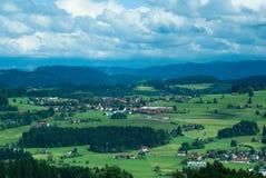 Flyg- sikt till bavarianstaden Arkivbilder